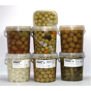 Pack variado aceitunas y encurtidos  en formato 1kg