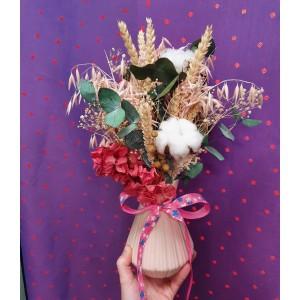 Jarron con flores preservadas. blumber