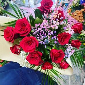 Ramo de 1 docena de rosas rojas