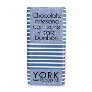 Chocolate artesano con leche y café bombón